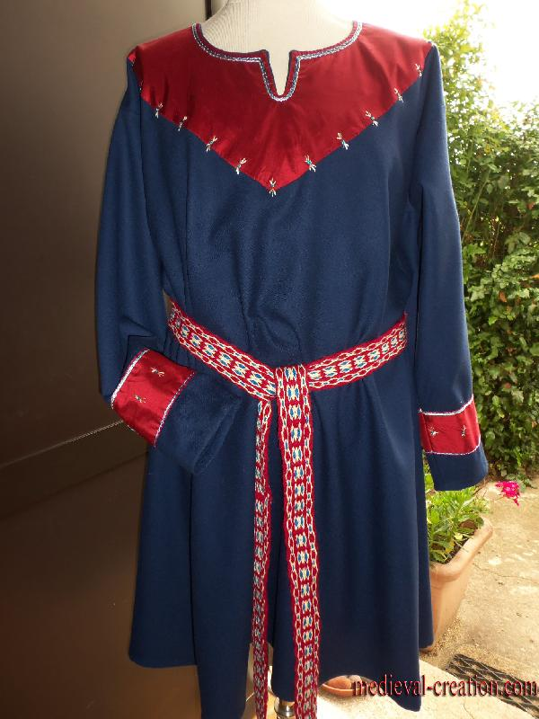 Viking Tunic Wool and Silk appliqué brodé